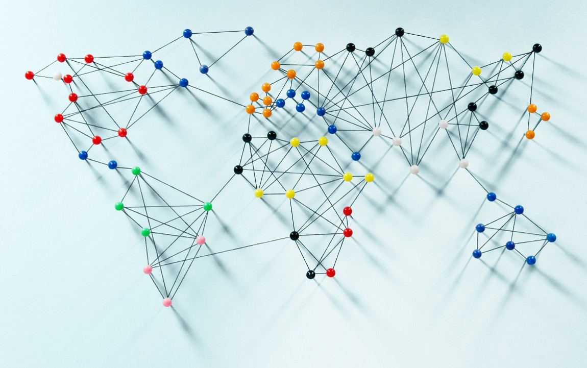 Graph theory: connections in the market
